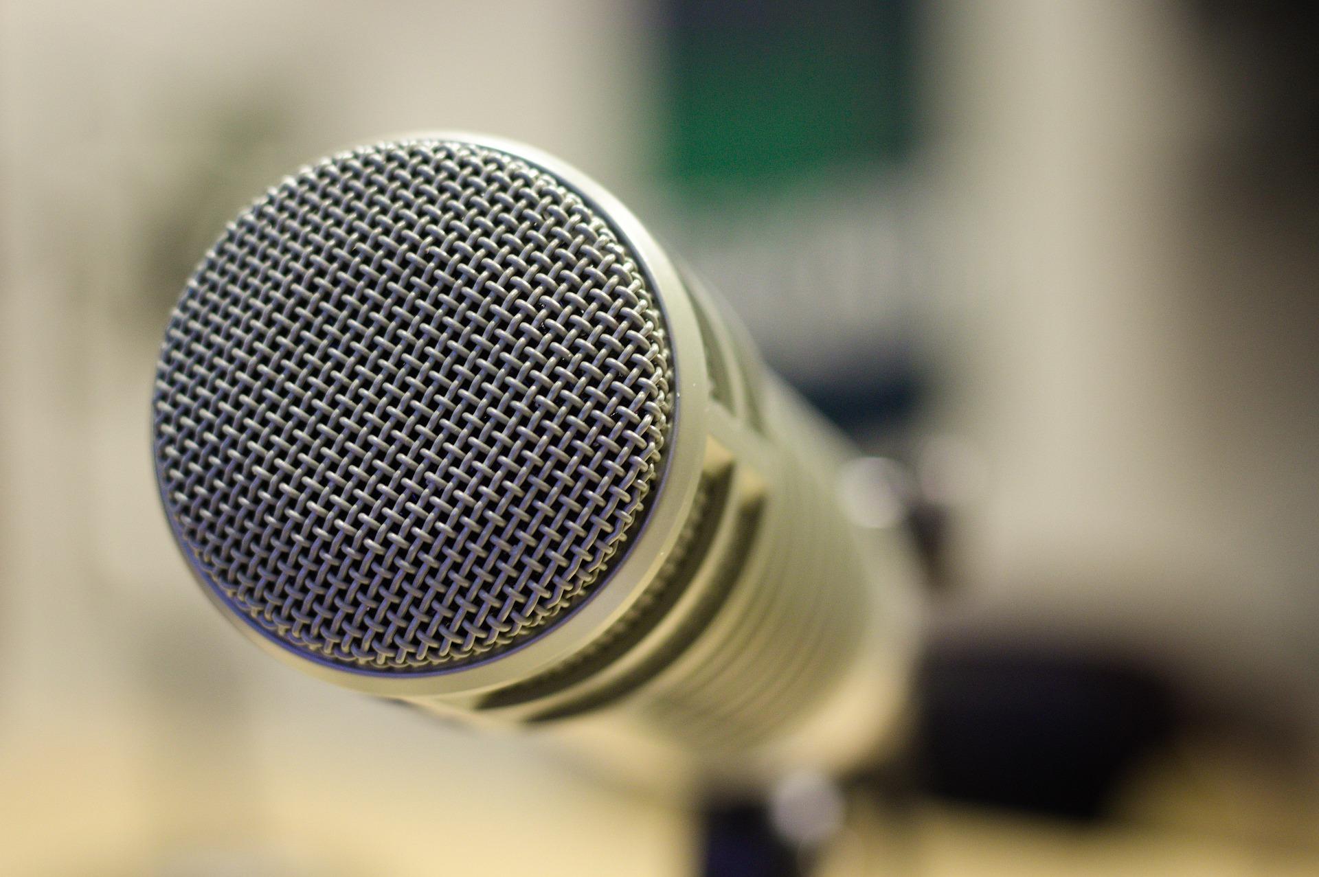 mic-4250217_1920